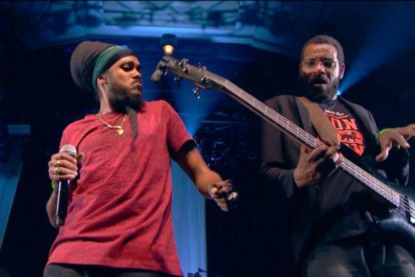 Yaniss Odua – Live